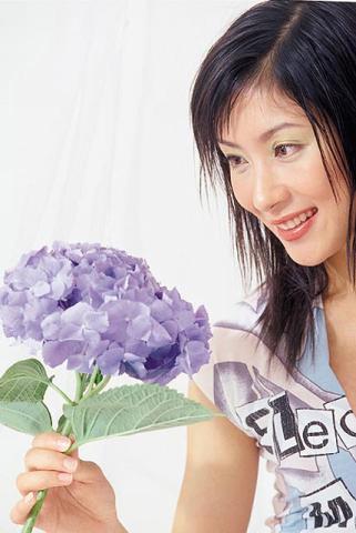 杨怡在《溏心风暴之家好月圆》中的出色演出亦受到肯定,而她亦凭该剧